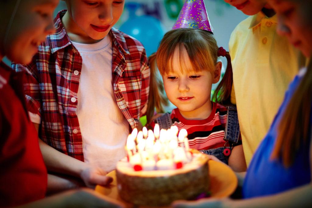 Kā ietaupīt dzimšanas dienā